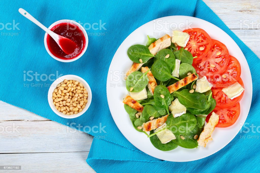 Low Calories Spinach Grilled Chicken Breast Salad Stock Photo Download Image Now Istock