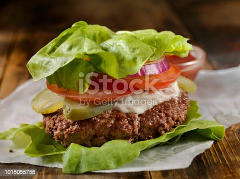 Low Carbohydrate - Lettuce Wrap Burger with Tomato, Onion and Mayo