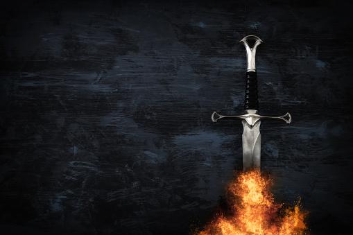 Low Key Image Of Silver Sword In The Flames Of Fire Fantasy Medieval Period - zdjęcia stockowe i więcej obrazów Antyczny