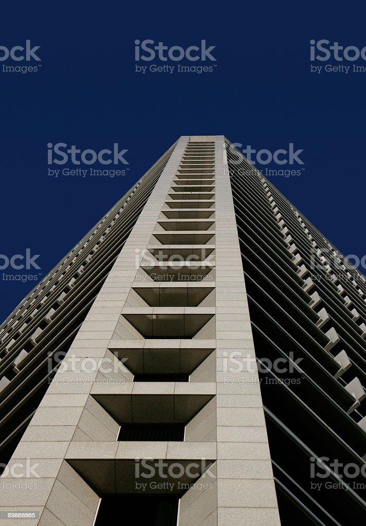 Bajo perspectiva del edificio foto de stock libre de derechos