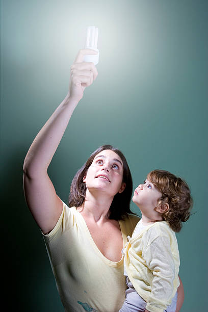 niedrig energie licht für die zukunft - elemi stock-fotos und bilder