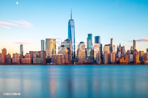 Daytime long exposure of the Lower Manhattan