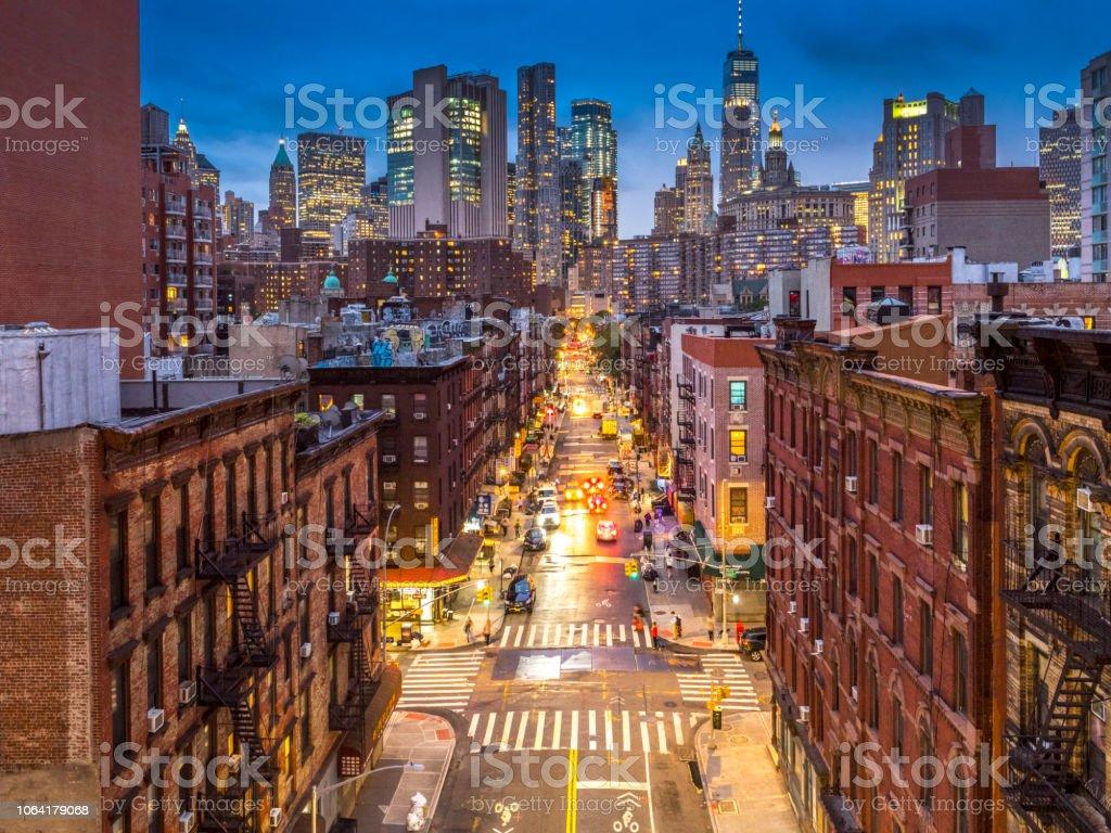 ロウアー マンハッタンの街並みをチャイナタウンニューヨーク ...