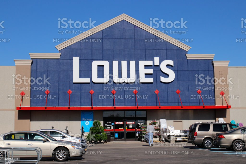 Lowes Home Improvement Warehouse Lowes Operates Retail Home Improvement And Appliance Stores In North America Iii Stock Photo Download Image Now Istock