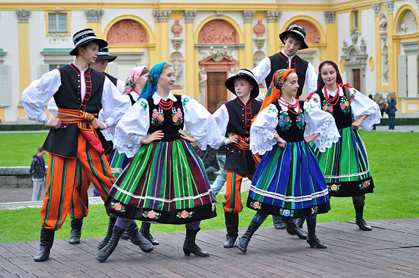 Lowicz folk dance Warsaw, Poland - September 11, 2010: Dancers of the ensemble Kuznia Artystyczna showing of the Lowicz folk dances, during of the Wilanow Days event. polish culture stock pictures, royalty-free photos & images