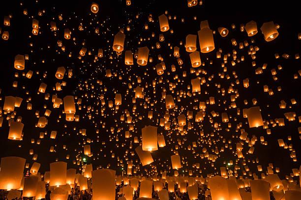 loy krathong, le festival de yi peng - éther photos et images de collection