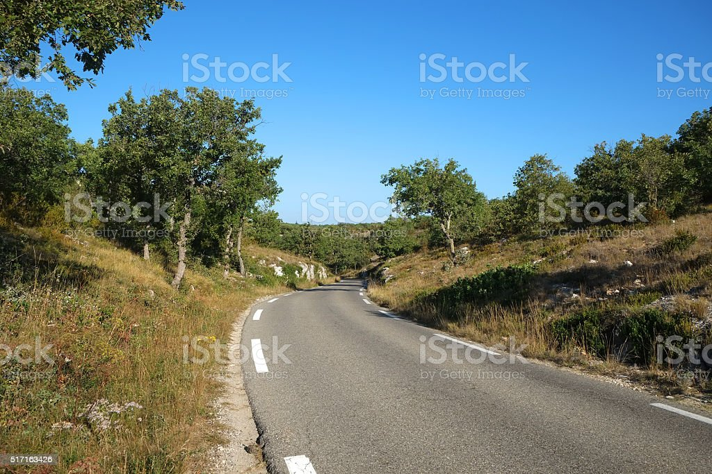 Luberon : road between abbey of Senanque and Venasque stock photo