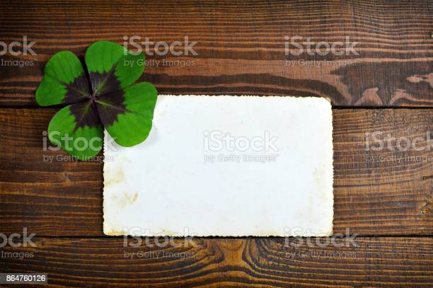 Lucky clover and blank greeting card on wooden background picture id864760126?b=1&k=6&m=864760126&s=612x612&h=99bzymmlywnprbrodsp8bxq ydp4ywnyd6ulogrfhnw=
