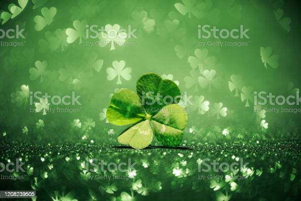 Lucky four leaf clover surrounded by sparkling shamrock shapes picture id1208239505?b=1&k=6&m=1208239505&s=612x612&h=aju3pz3nwfqk5cf9qjb7nlrnw9sxkss0anwetwz8mck=