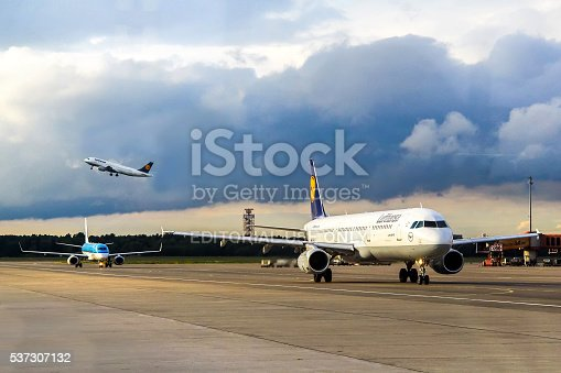 istock Lufthansa Airbus A321 537307132
