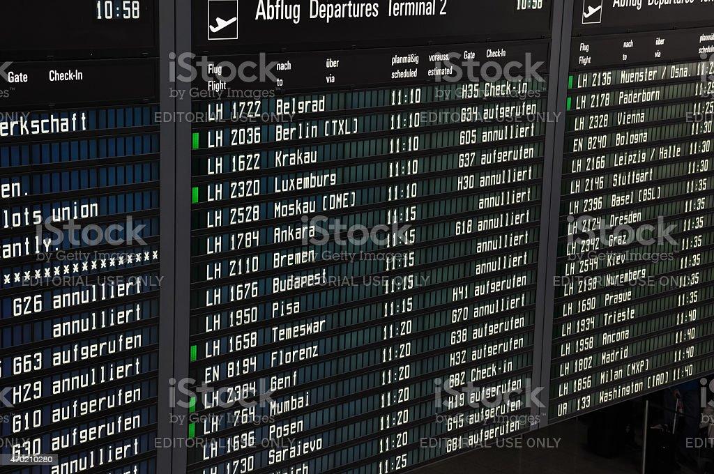 Lufthansa pilota strike annuncio al terminal dellaeroporto di