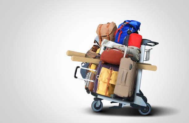 Gepäck-Touristen mit großen Koffern – Foto