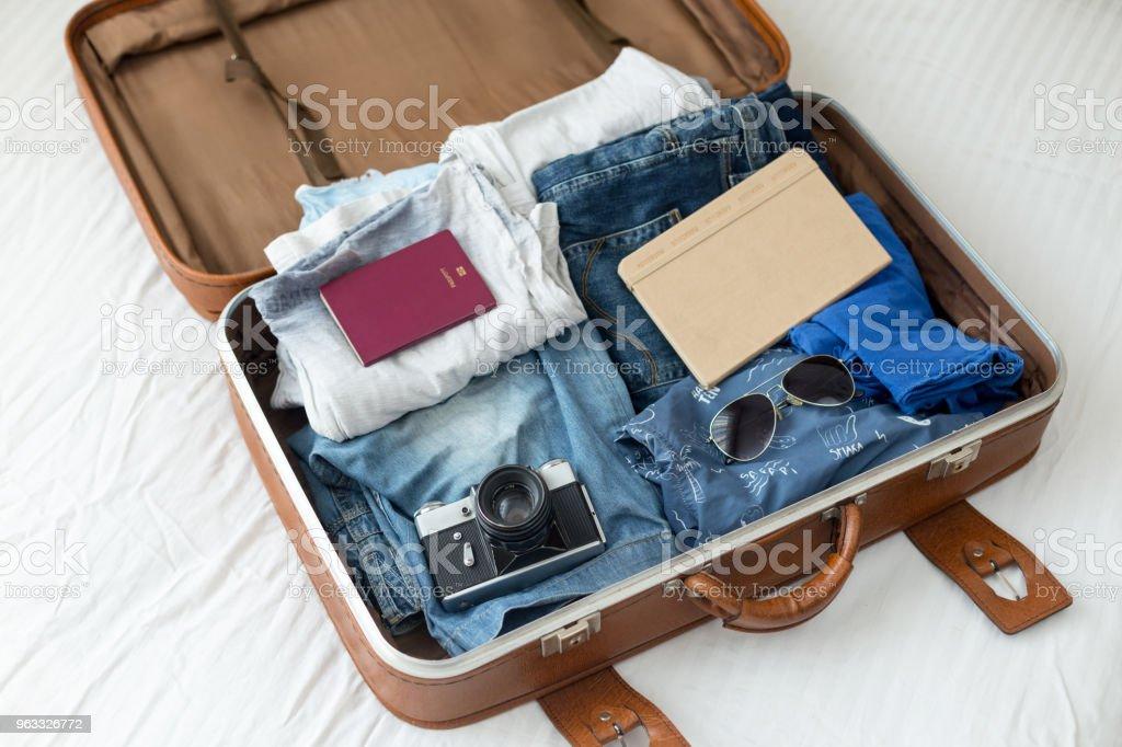 Gepäck mit Kleidung, Sonstiges Lizenzfreies stock-foto
