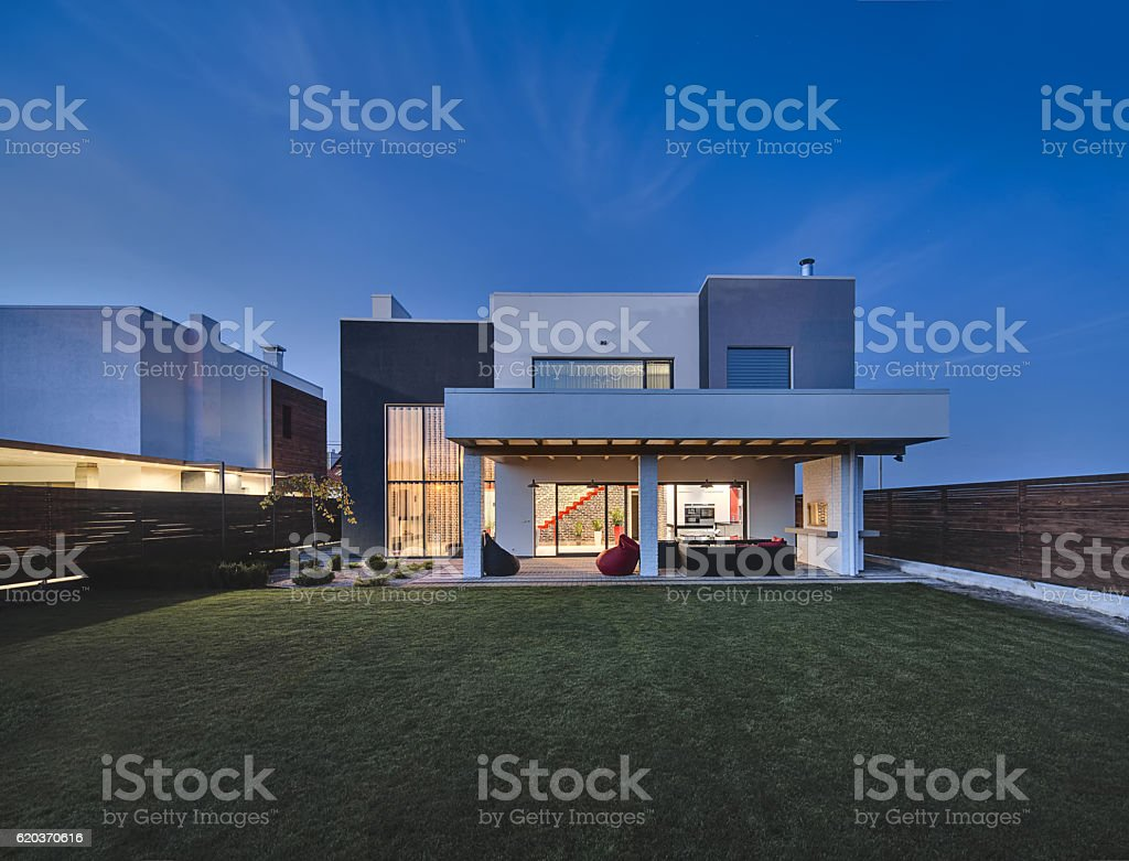 Luminous modern country house zbiór zdjęć royalty-free