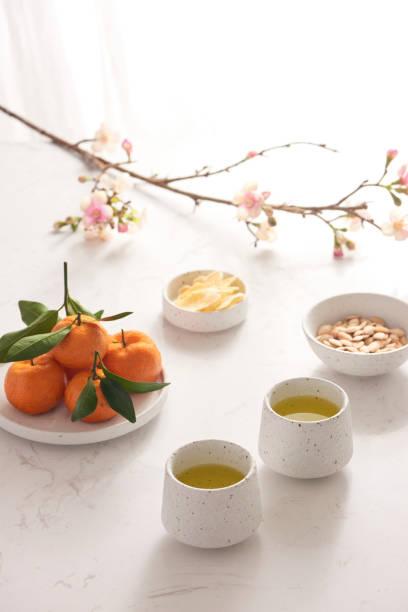 mond-neujahr dekoration traditionell mit asiatischer kultur. - ingwermarmelade stock-fotos und bilder