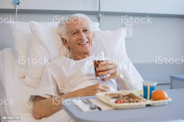 Lunch at hospital picture id667832128?b=1&k=6&m=667832128&s=612x612&h=ggtc h5tkgi0u6iiewhhxedrjb3g a4g3lcjksv4pki=