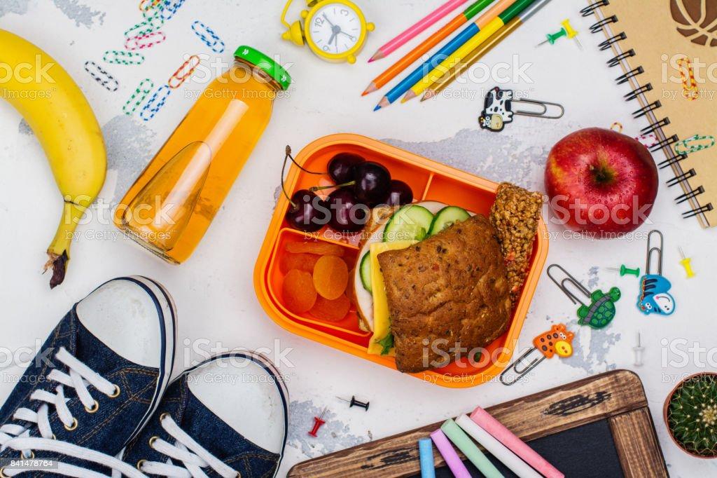 Almuerzo Escuela y cuadro de fuentes - foto de stock