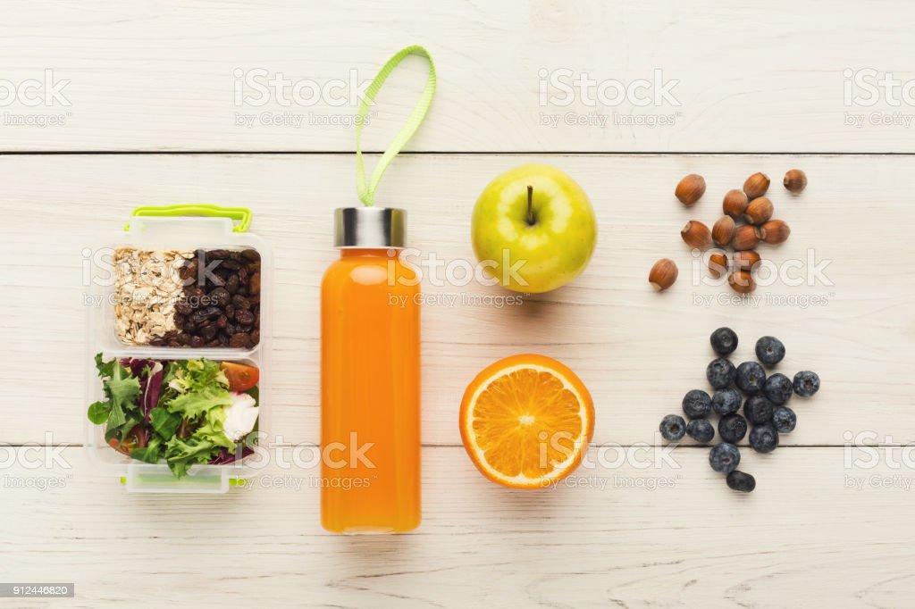 Kinder Picknick Tafel : Lunchboxen für kinder gesunder snack für schule abendessen stock