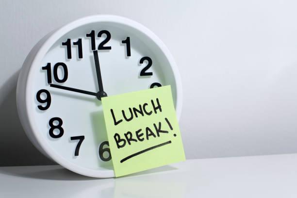 lunch break obs office klocka - lunchrast bildbanksfoton och bilder