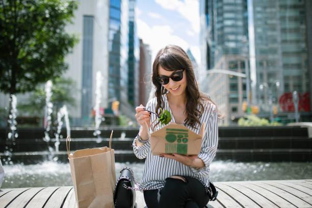 lunchrast utomhus - lunchrast bildbanksfoton och bilder