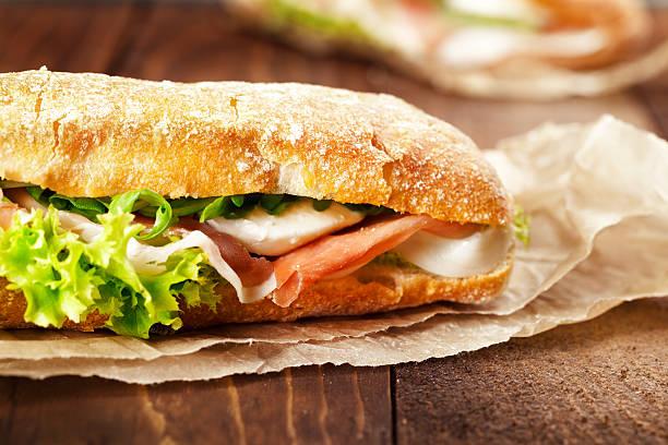점심 식사 - 치아바타 빵 뉴스 사진 이미지