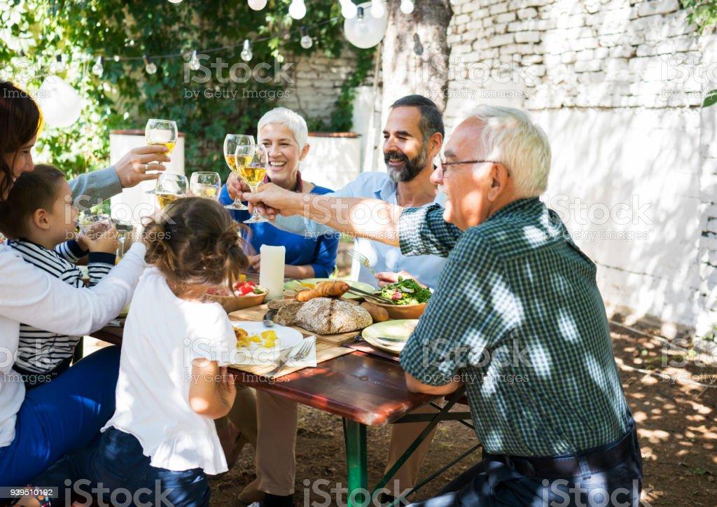 Mittagessen mit den liebsten Menschen – Foto