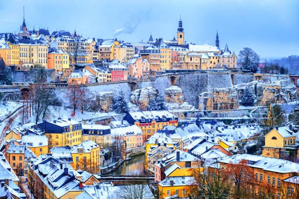 Ville de Luxembourg blanche de neige en hiver, Europe - Photo