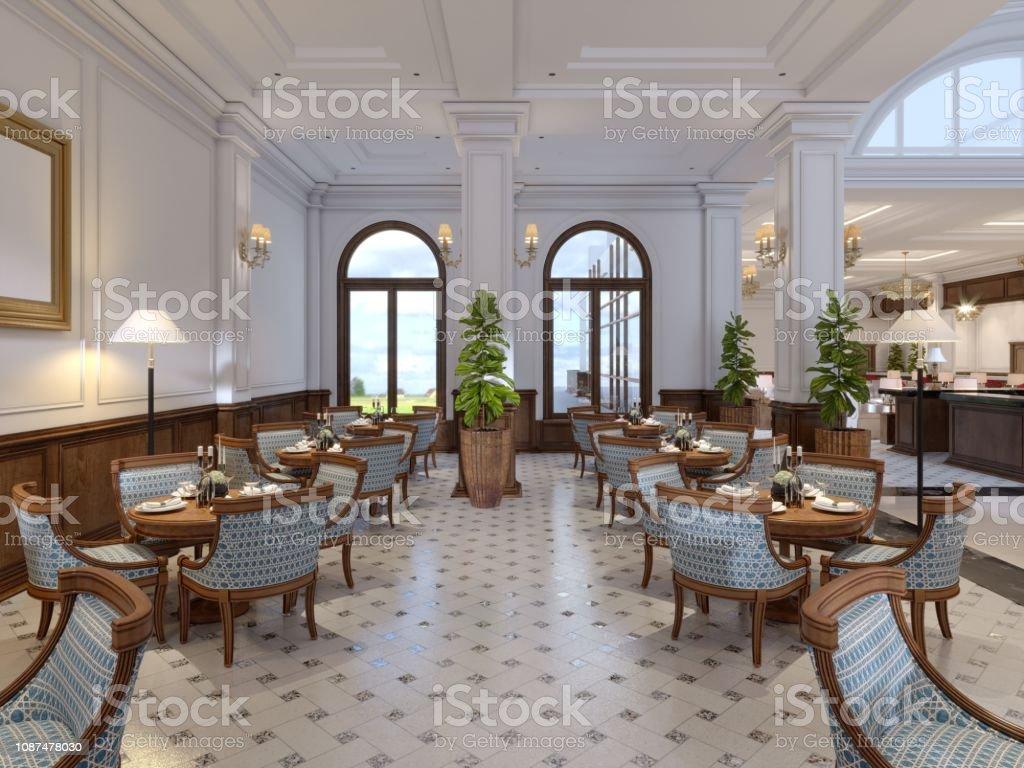 Interieur D Un Bar photo libre de droit de bar avec tables et chaises À