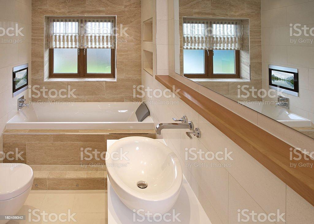 Badezimmer Und Fernseher Stockfoto und mehr Bilder von ...