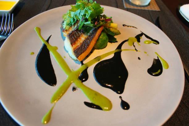 豪華なディナー - フランス料理 ストックフォトと画像