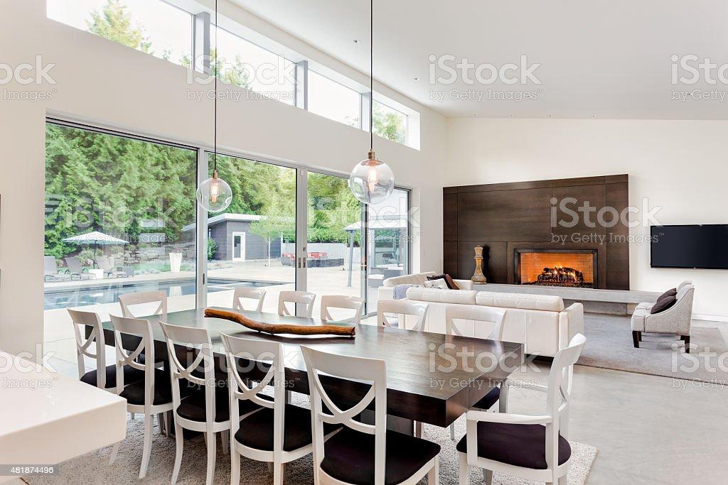 Baugewerbe, Boden, Fenster, Hotel, Kamin   Gebäudeteil. Luxuriöse Wohnzimmer  In Neues ...