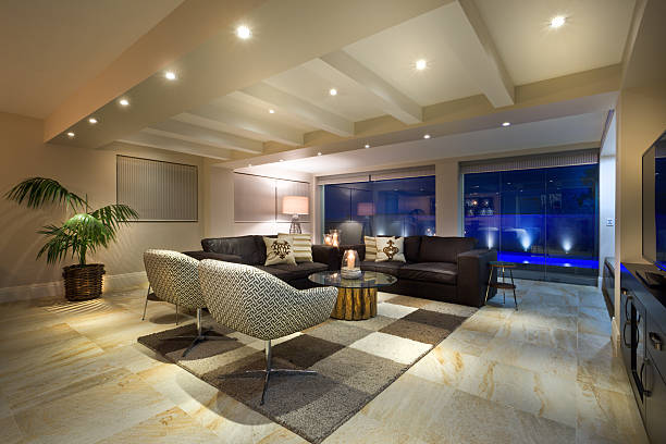 soggiorno lussuoso - illuminato foto e immagini stock
