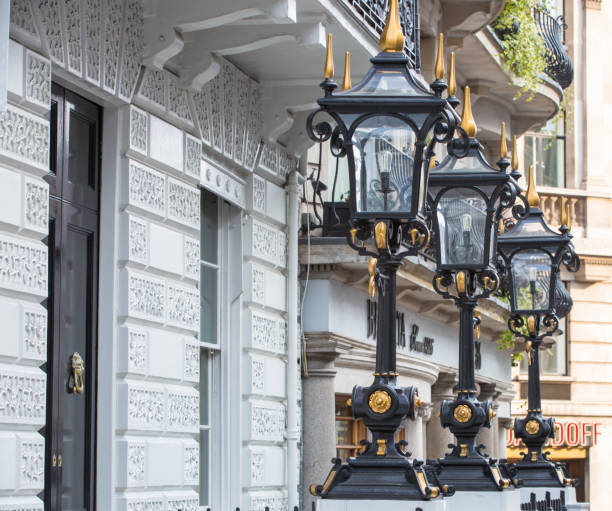 Luxury apartment building in the centre of London, Pall Mall street. London Luxury apartment building in the centre of London, Pall Mall street mayfair stock pictures, royalty-free photos & images