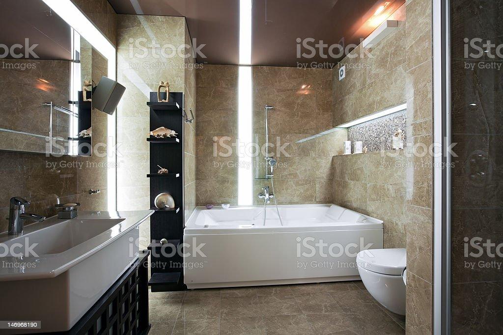 Intérieur d'une salle de bains de luxe - Photo