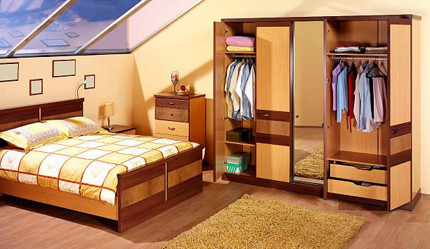 luxus-schlafzimmer - moderner dekor für ferienhaus stock-fotos und bilder