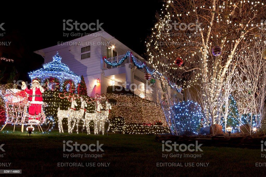 Haus Weihnachtsbeleuchtung.Luxushotel In Brooklyn Haus Mit Weihnachtsbeleuchtung In Der Nacht