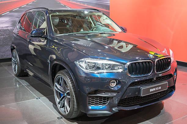 bmw x5 m luxus crossover-suvs - bmw x5 stock-fotos und bilder