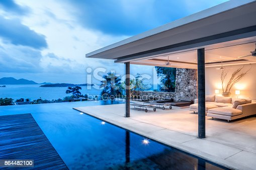 Beautiful Tropical Home At Dusk