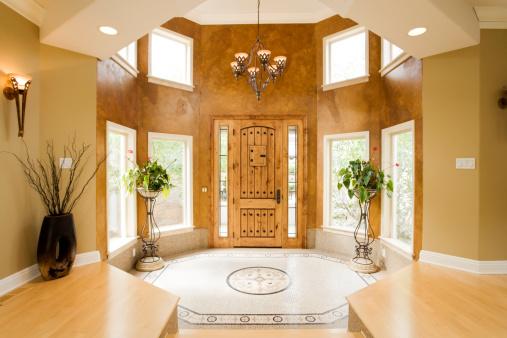 Ingresso casa di lusso fotografie stock e altre immagini for Fotografie di case
