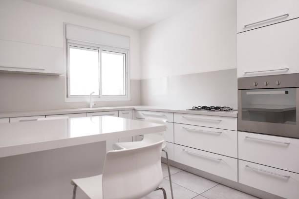 luxus küche interieur. - kinderstuhl und tisch stock-fotos und bilder