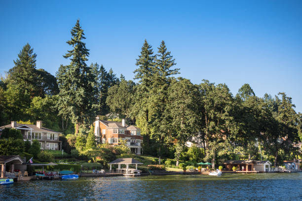 Luxury homes along the shores of Lake Oswego, Oregon stock photo