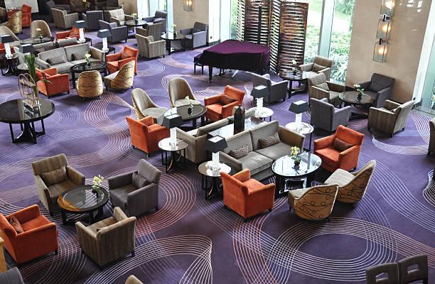 luxuriöse hotel-bar und lounge - eingangsbereich teppich stock-fotos und bilder