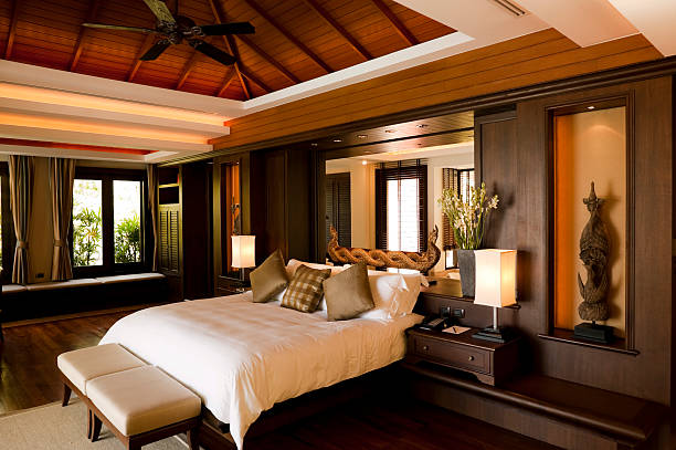 zimmer in luxushotel in suite villa phuket, thailand - ferienhaus thailand stock-fotos und bilder