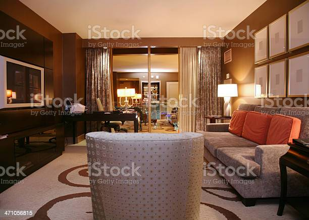 Luxury hotel suite at night picture id471056815?b=1&k=6&m=471056815&s=612x612&h=xuhguqkld jg4s2s ifxguh2advi99gg3rpd7c93smc=