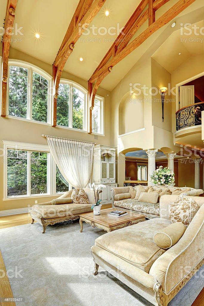 Luxus Haus Innen Wohnzimmer Room Stockfoto Und Mehr Bilder Von Architektonische Saule Istock