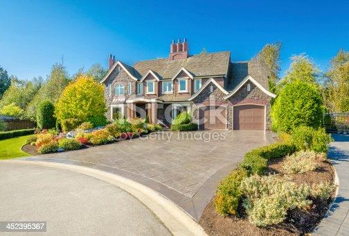 istock Luxury House 452395367