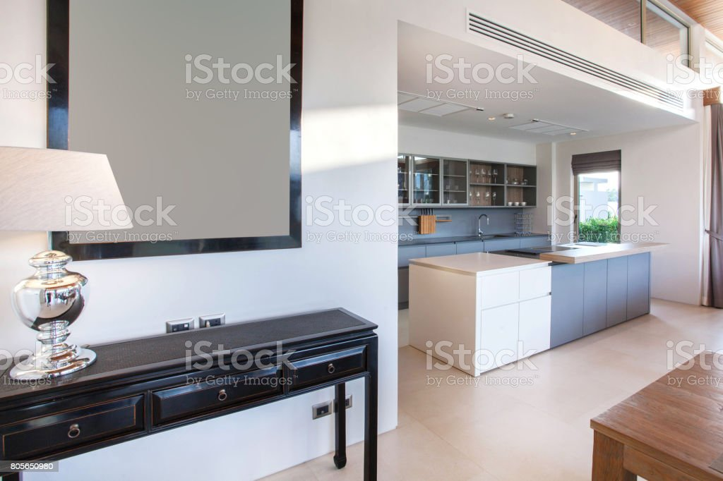 Photo libre de droit de Villa Avec Piscine Luxe Design ...