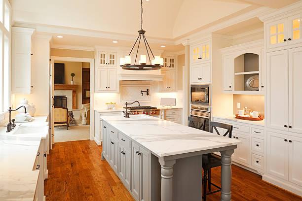 luksusowe kuchnia - żyrandol sprzęt oświetleniowy zdjęcia i obrazy z banku zdjęć