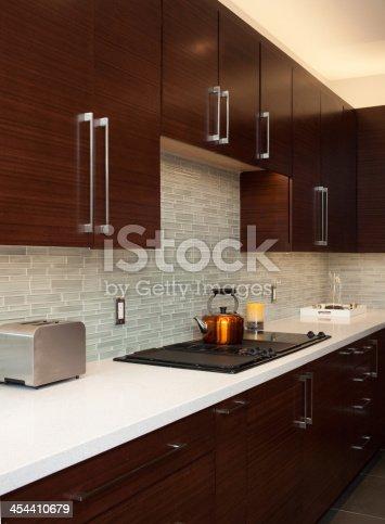 696939000 istock photo Luxury Kitchen 454410679