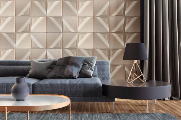 luxuriöses wohnzimmer mit goldenen wandfliesen und kopierraum - couchtisch metall stock-fotos und bilder